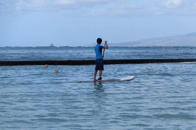 ハワイ旅行記4:穴場レストラン発見と荒天のワイキキはやることないわ・・・